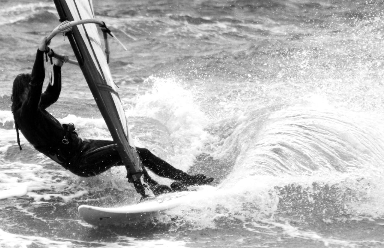 Warto połączyć wakacje z windsurfingiem